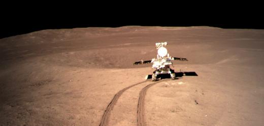 Nefritový králík 2 na Měsíci.