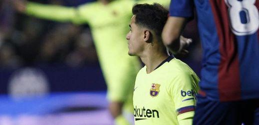 Barcelona si zadělala na problém, úvodní osmifinále prohrála 1:2.