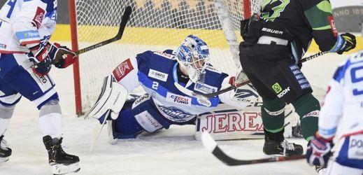 Brankář Komety Brno Lukáš Dostál při svém debutu v nejvyšší české soutěži.