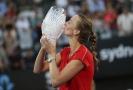 Skvělá Kvitová vydřela první letošní titul, slaví i Siniaková.