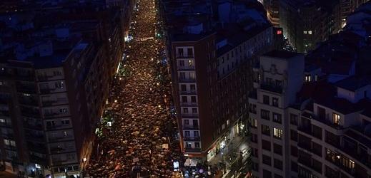 Lidé v Baskicku demonstrovali za lepší podmínky pro vězně z ETA.