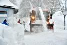 Krušnohorské lyžařské středisko se v těchto dnech potýká s velkým přívalem sněhu, ve městě platí kalamitní stav.