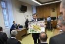 David Rath s transparentem u krajského soudu.