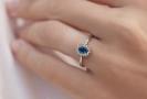 Design prstenu podobný tomu, který nosí vévodkyně Kate.