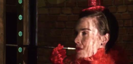 Snímek z videoupoutávky na hru Utíkejte, slečno Nituš!.