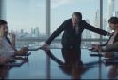 Snímek z nového reklamního spotu Gillette.