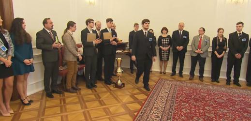 Nejlepší studenti historie z Česka a Slovenska se utkali.