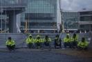 Dělníci z istambulského letiště o přestávce.