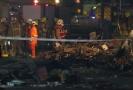 Záchranáři u trosek domu, který trojice vyhodila do povětří.