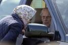 Princ Philip při nehodě neutrpěl žádné zranění, ale byl velmi otřesen.