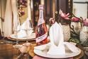 Slavnostní stolování Mionetto Rosé.