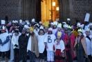 Hradeckým koledníkům požehnal na cestu biskup Jan Vokál a vyprovázel je slovy, aby do našich domovů přinášeli radost.