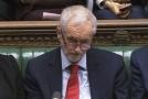 Podle předsedy nejsilnější opoziční strany Jeremyho Corbyna neudělala premiérka Theresa Mayová žádnou změnu.
