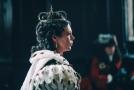 Olivia Colmanová ve filmu Favoritka jako královna Anna exceluje.