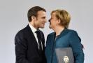 Německá kancléřka Angela Merkelová (vpravo) a francouzský prezident Emmanuel Macron.