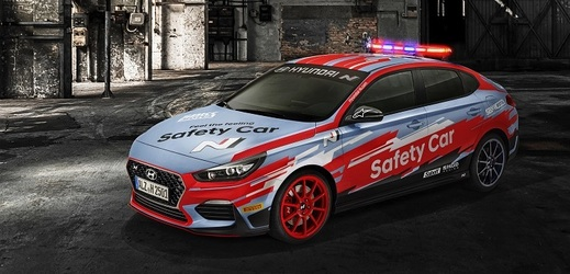 Speciálně upravený model Hyundai i30 Fastback N Safety Car.