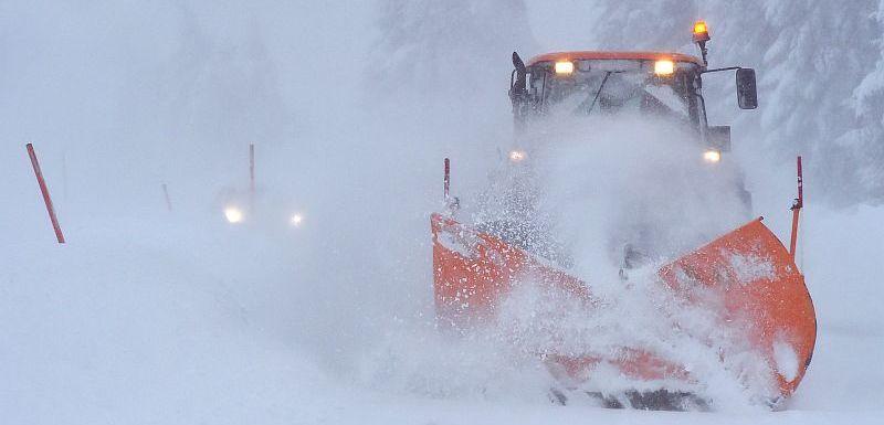 10e3055f0 Aktuální informace. V Česku od rána hustě sněží. Městské dopravy v  problémech