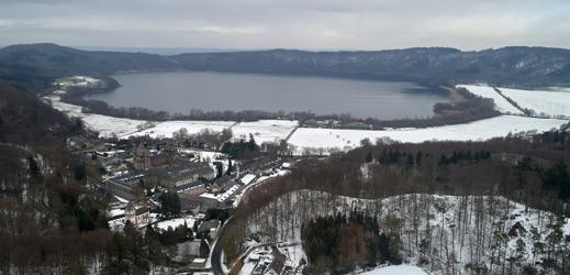 Německé jezero Laacher See.
