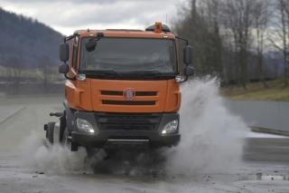 Nákladní automobil Tatra Phoenix.