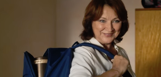 Zlata Adamovská ve filmu Ženy v běhu.