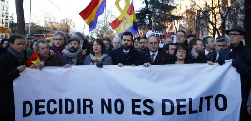 V Madridu začíná proces s dvanácti bývalými členy vedení Katalánska.