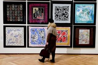 Novinářská prohlídka výstavy Šílený hedvábník se uskutečnila 14. února 2019 v Uměleckoprůmyslovém muzeu v Praze.
