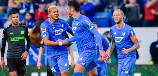 Fotbalisté Hoffenheimu slavící po jenom z gólů.