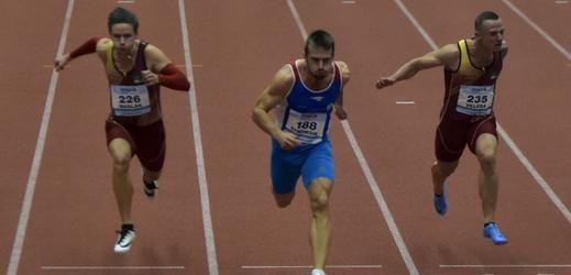 Zdeněk Stromšík (uprostřed) při vítězném závodu na 60 metrů.