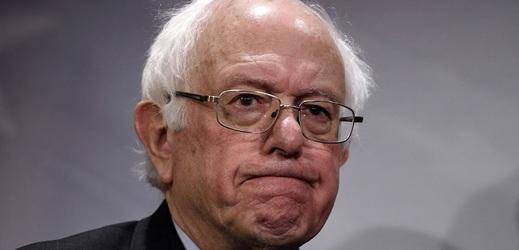Demokrat Bernie Sanders bude dalším vyzyvatelem Trumpa v boji o prezidentské křeslo.