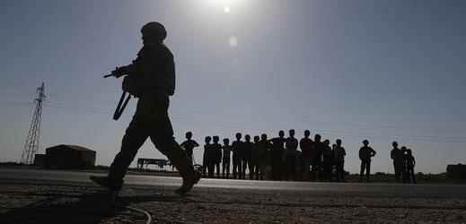 Americká vojenská síla zcela ze Sýrie nezmizí.
