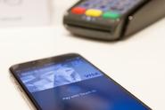 Nová éra mobilního placení. V Česku začíná Apple Pay