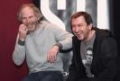 Režisér Jan Prušinovský (vlevo) a herec Martin Hofmann při setkání s novináři, na kterém tvůrci 29. listopadu 2018 v Praze představili nový komediální seriál Most!.