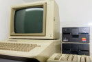 Model Apple IIe.