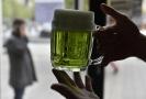 Sváteční pokrmy zelené pivo a zelená polévka obohatily 13. dubna letošní začátek velikonočních svátků v Brně.