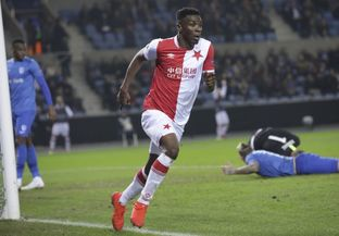 Traoré předvedl famózní výkon v Genku, který korunoval vítězným gólem.