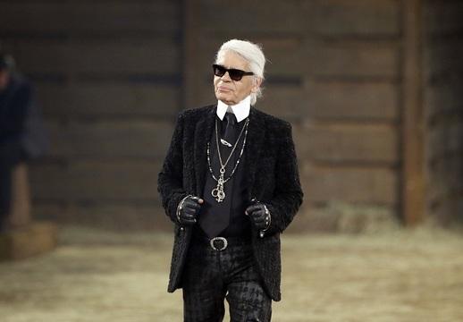 Pokračovatelem Coco se stal Karl Lagerfeld. ede8bb74ba