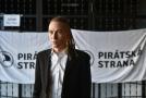 Ivan Bartoš si myslí, že směrnice poškodí svobodu na internetu.