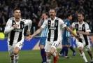 Radost hráčů Juventusu po gólu Cristiana Ronalda.