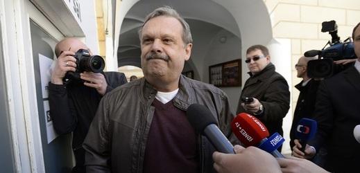 Václav Votava se vrátí do poslaneckých lavic.