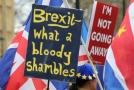 Transparenty glosující dění okolo Brexitu.