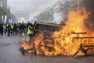 Protestující se nebáli ničeho a při minulé demonstraci málem zdemolovali centrum Paříže.