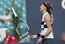 Světová dvojka Petra Kvitová postoupila do osmifinále tenisového turnaje v Miami.