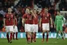 Čeští fotbalisté předvedli v londýnském Wembley ostudný výkon.