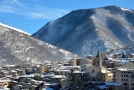 Městečko Scanno v italské oblasti Abruzzo.