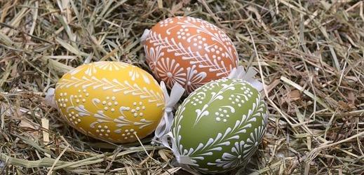K Velikonocům patří i tradiční zdobení vajec.