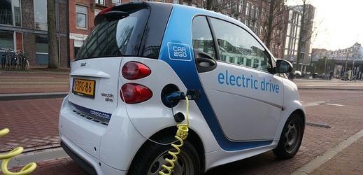 Například v Amsterdamu jsou elektromobily samozřejmostí.
