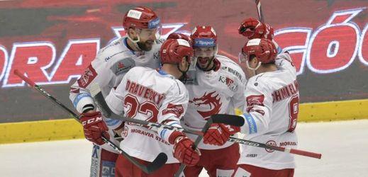 Třinec smetl Plzeň třemi góly v první třetině a postupuje do finále.