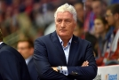 Trenér Miloš Říha nemůže být zatím spokojen s předvedenými výkony.