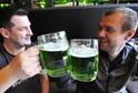V Brně už si můžete přiťuknout zeleným pivem.
