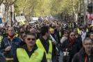Demonstrace protestního hnutí takzvaných žlutých vest v Paříži.